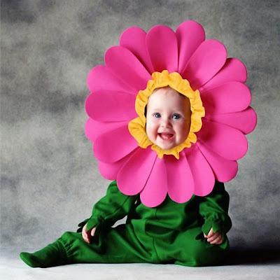 صور اجمل صور اطفال صغار 2019 صوري اطفال جميله flower.jpg