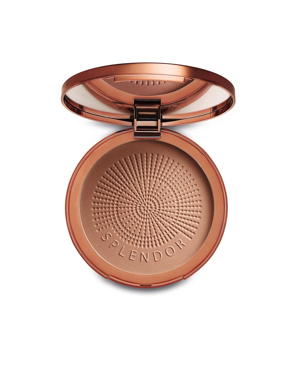 Complementando a linha Bronze Splendor estão o Bronzer Splendor Pó Compacto  FPS 15 (R  84,99) e a Bronze Splendor Desodorante Hidratante Prolongador  Pós Sol ... 7bce8a5441