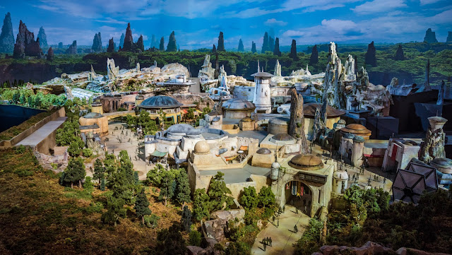 Área Star Wars: Galaxy's Edge no Disney's Hollywood Studios em Orlando