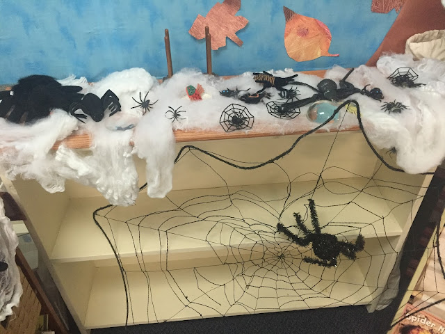 adding spiders to your science center for your kindergarten halloween party
