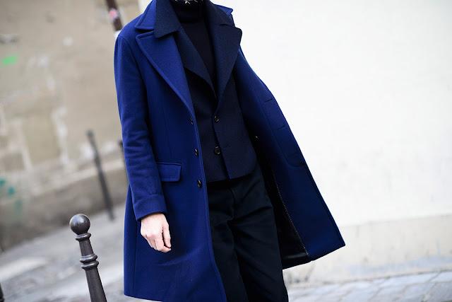 abrigo azul street style
