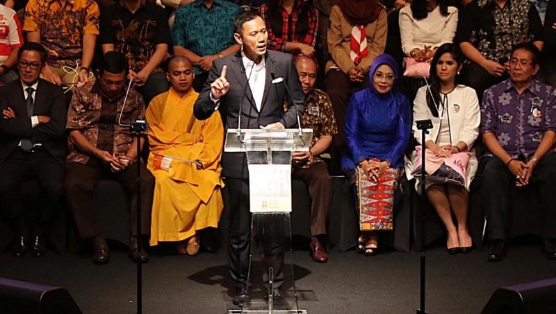 Agus Yudhoyono menyampaikan pidato politik di Ballroom Djakarta Theater, Jakarta