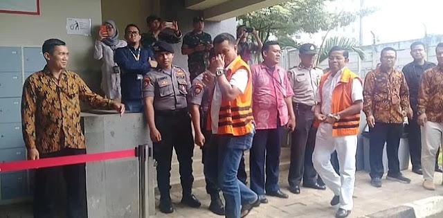 Tahanan KPK Nyoblos, Idrus Marham ke TPS Pakai Baju Putih-Putih