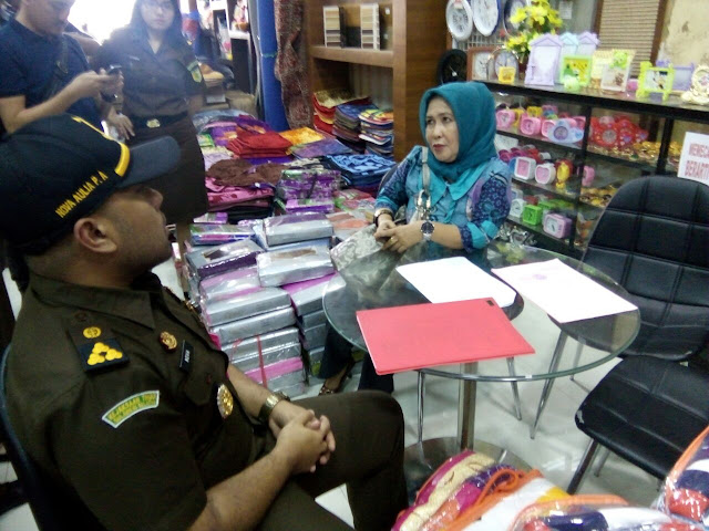 Tengah Belanja Karpet, Terpidana Korupsi Dana PNPM Wajo Diciduk Kejari Wajo