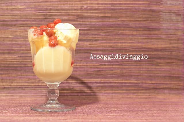 Gelato alla vaniglia con amarene sciroppate