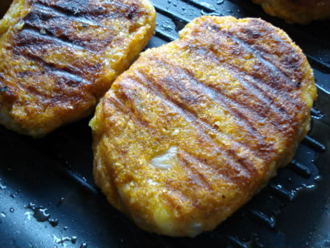 Savoy cabbage, potato and sweet potato patties by Laka kuharica: Fry patties in a grill pan