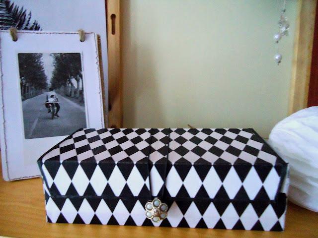 czarno-białe pudełko w romby handmade