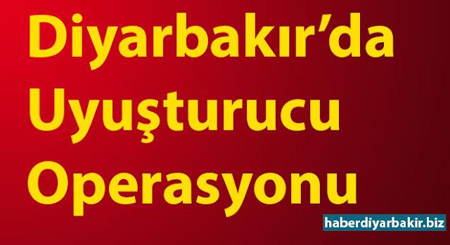 DİYARBAKIR-Diyarbakır Valiliğinin verdiği bilgilere göre Lice ilçesinden Diyarbakır il merkezine uyuşturucu madde getirerek batı illerine sevk etmek üzere uyuşturucu satıcılığı yapan kişilere yönelik operasyon gerçekleştirildi.