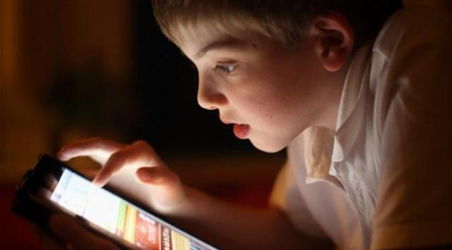 Anak aman dalam Bertinternet