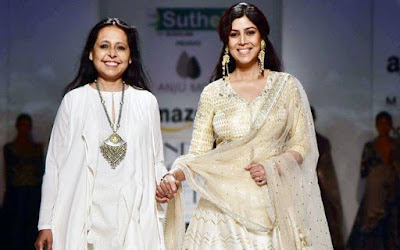 sakshi-tanwar-turnes-showstopper-foranju-modi-at-aifw-aw-2017
