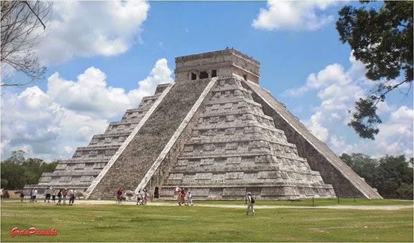 Pirámide de Kukulkán, México