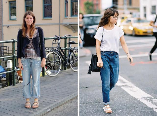 Девушка маленького роста в джинсах в биркенштоках