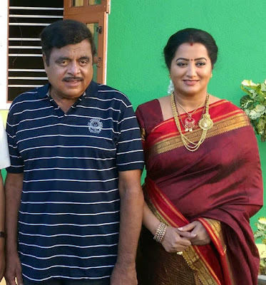 Ambareesh with wife