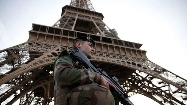 Francia liberará a más de 400 presos radicalizados como terroristas islamistas