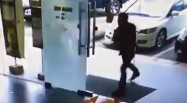 Pusat Servis DiGi di Sibu Diserang Seorang Lelaki, Digi Center Digi di Sibu Diserang Lelaki Amuk