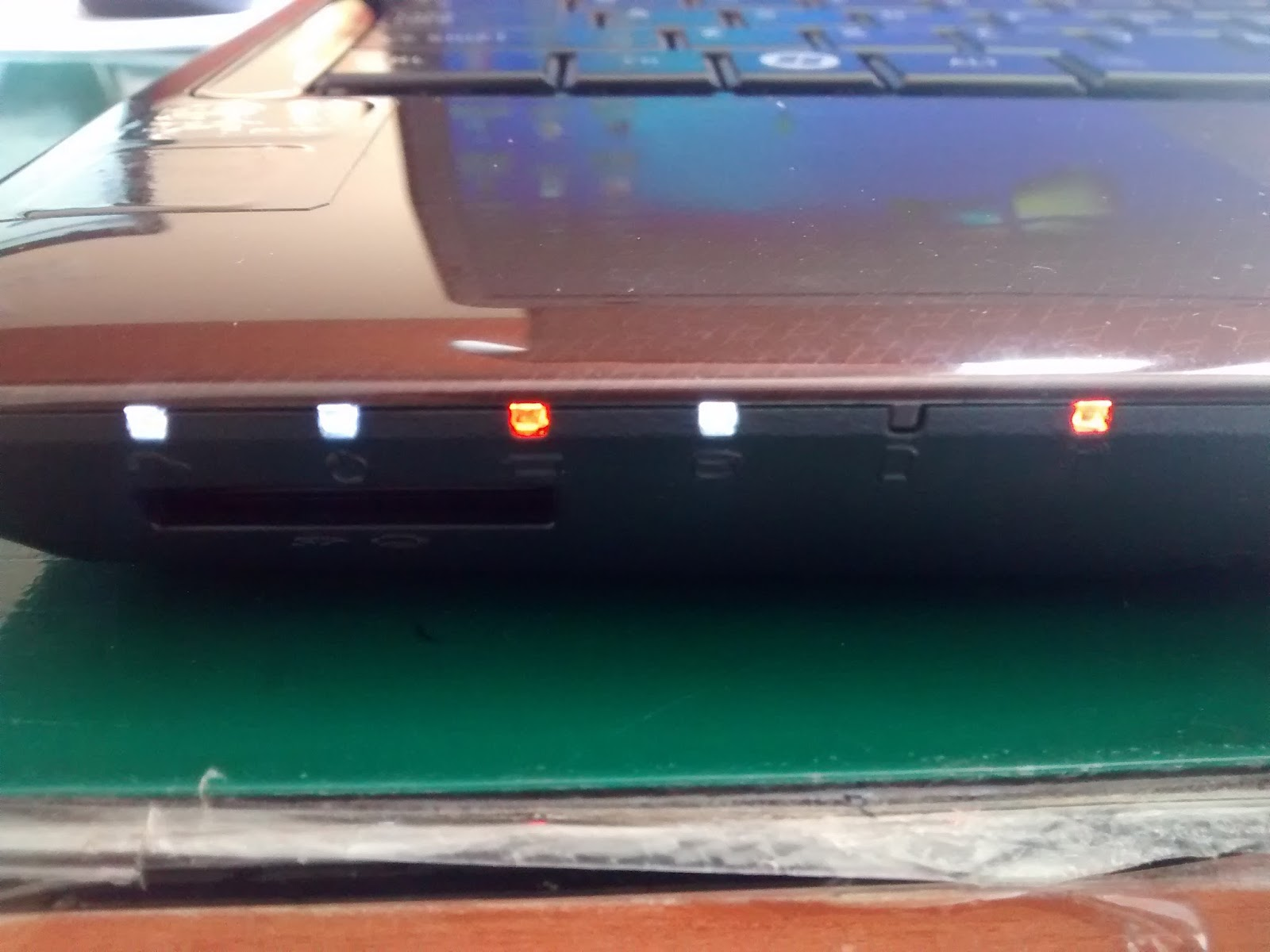 Lampu Indikator Atau Kipas Sudah Menyala Tapi Kok Tidak Ada Tampilan Apa Yang Rusak Service Laptop Jogja