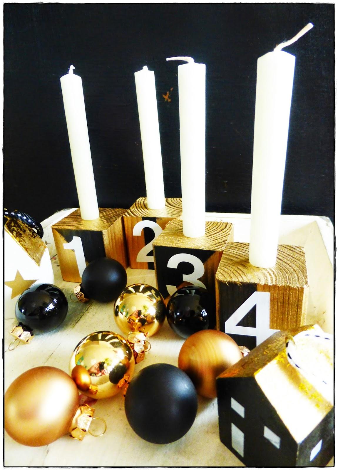 Adventskranz Holzwürfel gold schwarz
