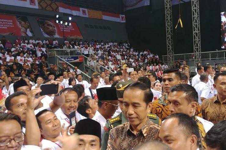 Jokowi Minta Relawan Mulai Kampanye untuk Pilpres 2019