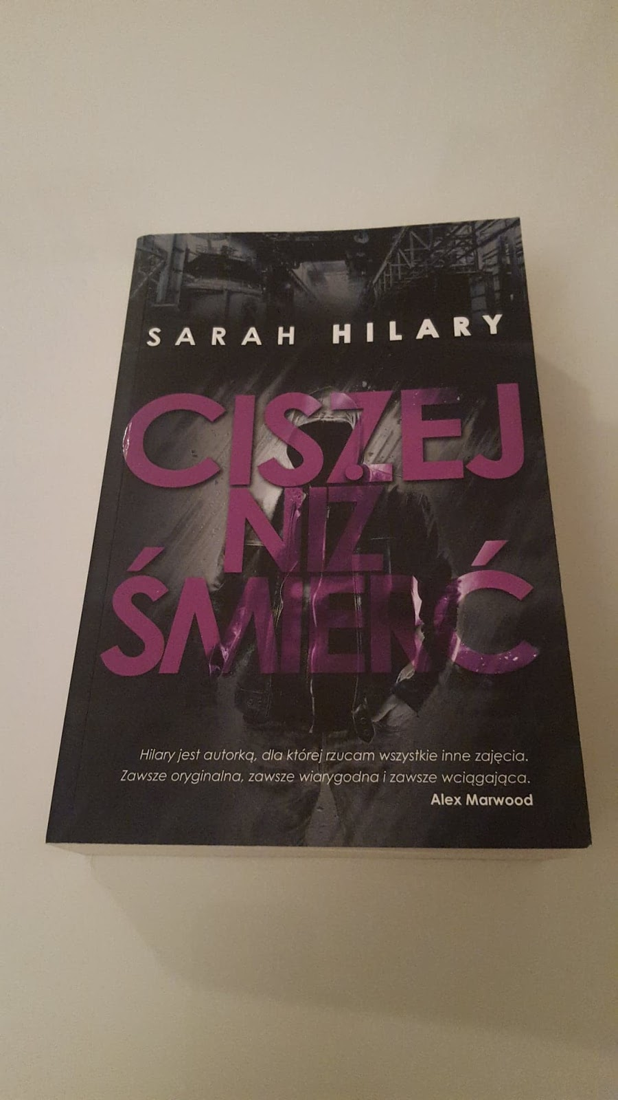 Sarah Hilary - Ciszej niż śmierć