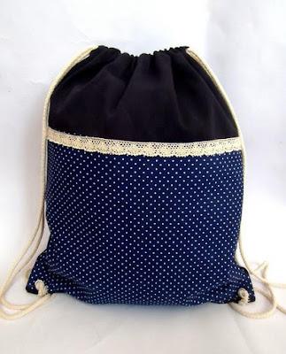 Plecak retro w groszki
