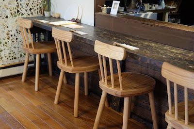 京都府宇治市の古民家カフェ・レストラン ロバ カウンター席