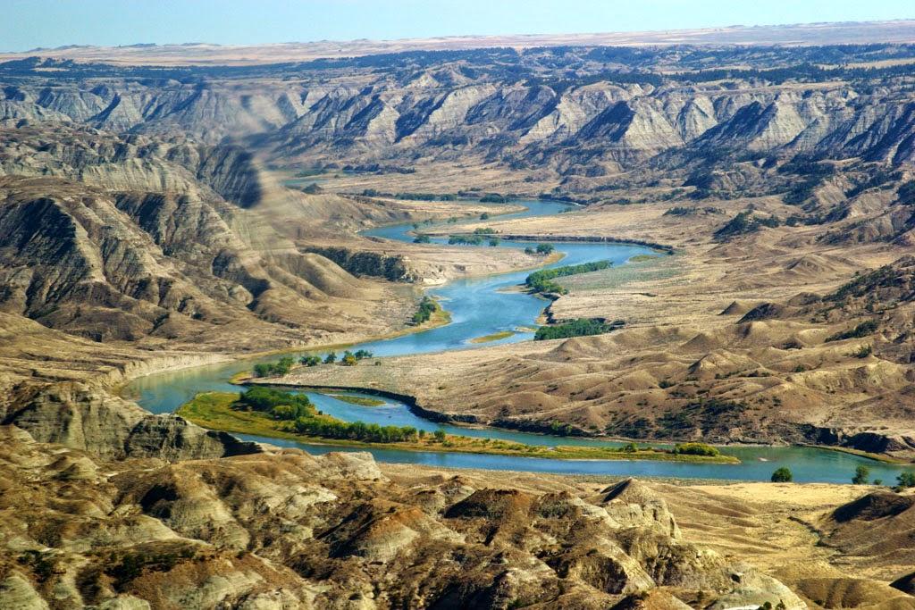 Heroes, Heroines, and History: Along the Montana Missouri ...
