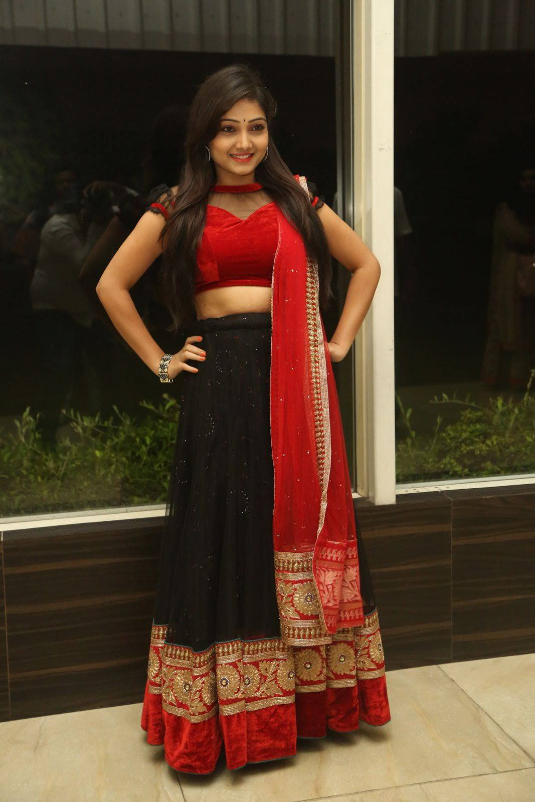 Telugu Tv Actress Priyanka Navel Show At Movie Trailer Launch In Red Langa Voni