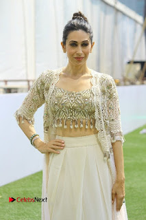 Actress Karishma Kapoor Walks For Arpita Mehta at LFW Summer 2017  0007.jpg