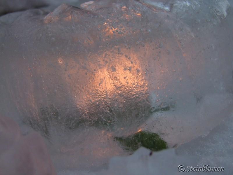 Eislaternen leuchten