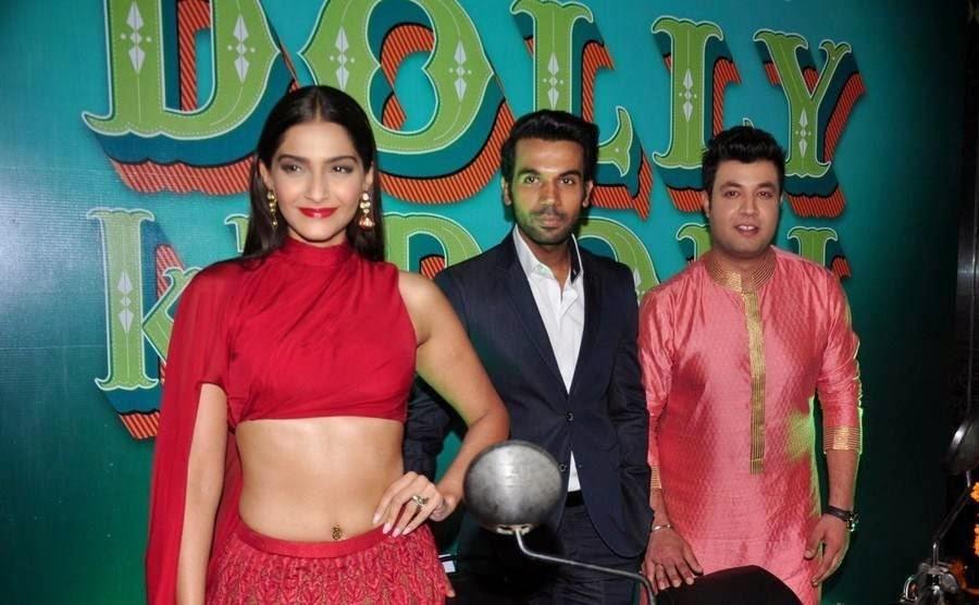 Sonam Kapoor Photo Gallery, Sonam Kapoor Hot Navel HD Pics from Dolly ki Doli