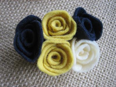 wool felt blen rosettes pins