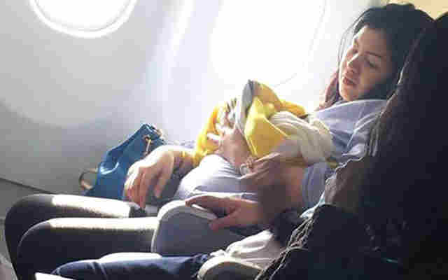 Lahir di Pesawat, Bayi Dapat Penerbangan Gratis Seumur Hidup