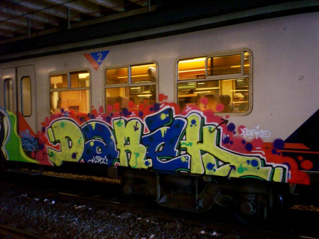 Jony-chandra: GRAFFITI LETTERS