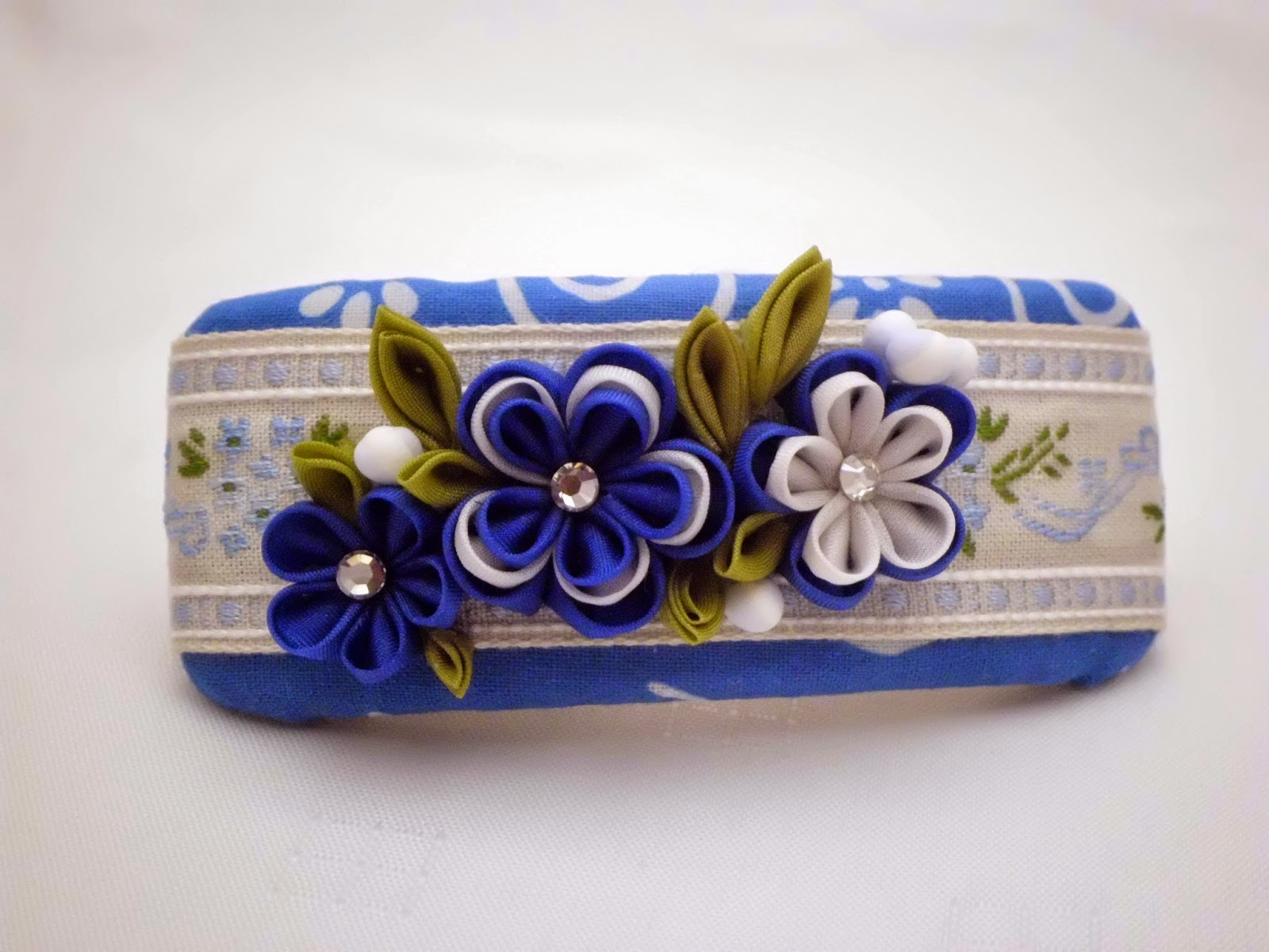 https://www.etsy.com/listing/220892602/handmade-french-barrette-blue-white