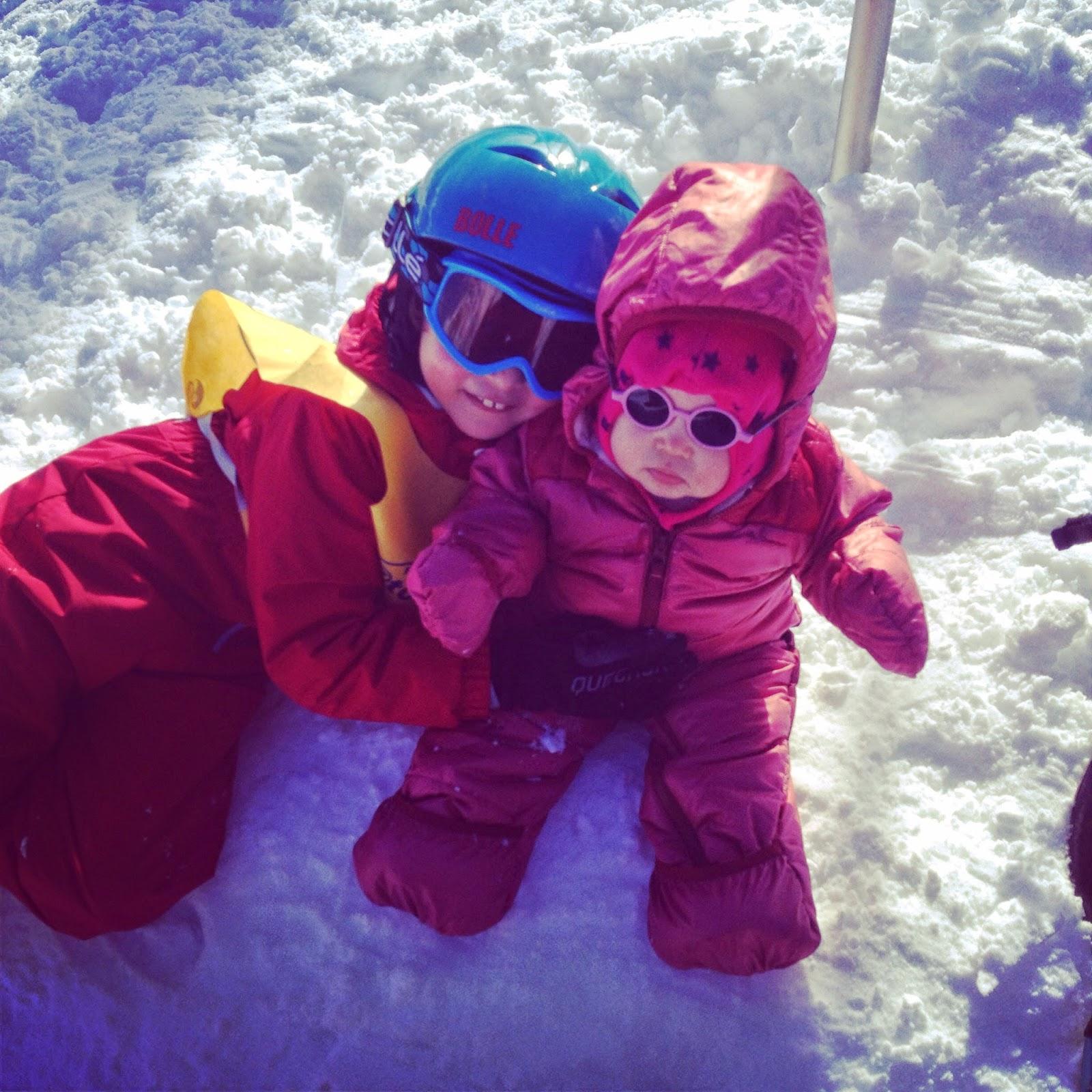 Partir au ski avec bébé 846a534b2f44