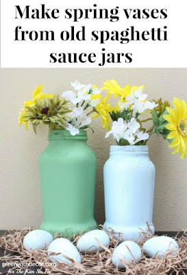 Make spring vases from old spaghetti sauce jars. A great Easter DIY, these would look great as a spring centerpiece!