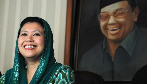 Empat Pertanyaan Menyentil untuk Yenny yang Sebut Jokowi Seperti Gus Dur