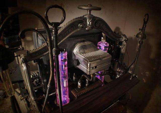 La computadora que funciona con partes de 150 años de antigüedad.