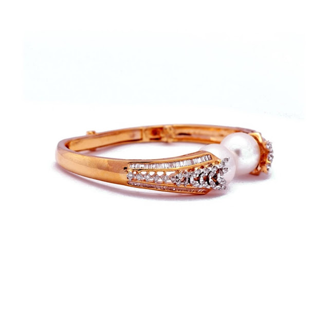 Jewelsify Bracelet- INR 136,000