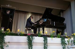 Stadler am Klavier