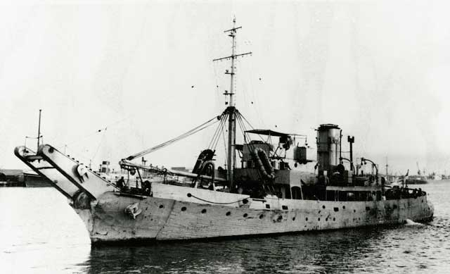 HMAS Karangi, commissioned on 23 December 1941 worldwartwo.filminspector.com