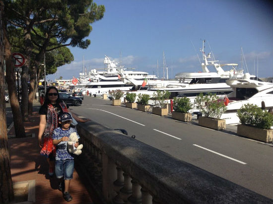 jacht mewah di pelabuhan  Monaco