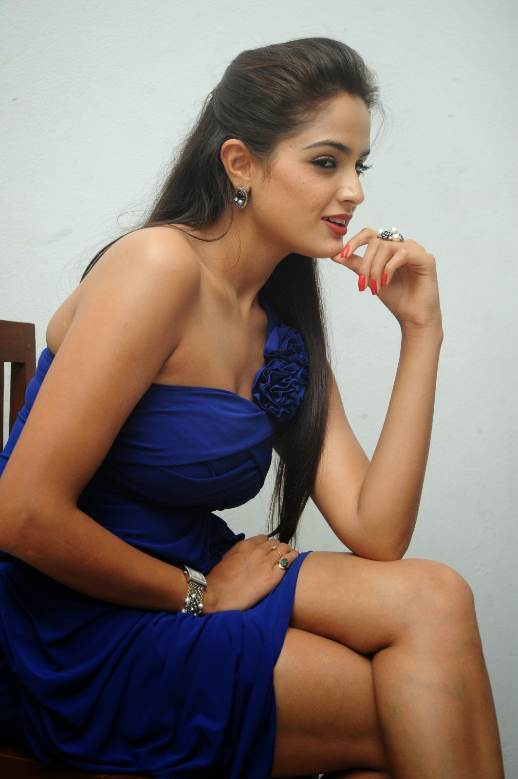 Actress Asmitha Sood Latest Hot Cleavages And Navel Show Stills - Cine Gallery