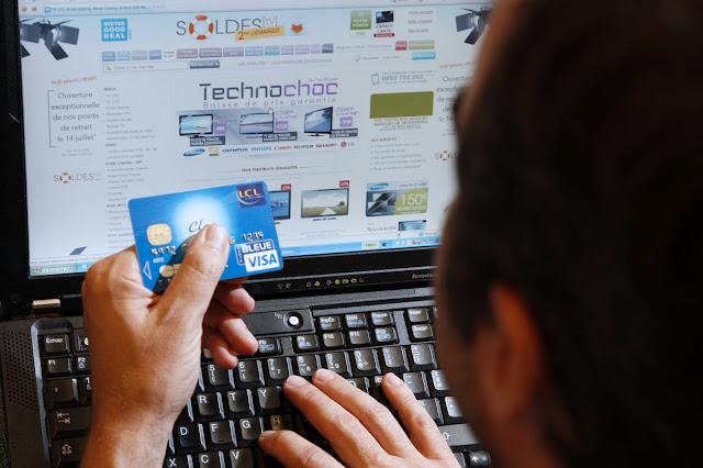 SERVICES EN LIGNE : L'E-COMMERCE ENTRE DANS NOS MŒURS