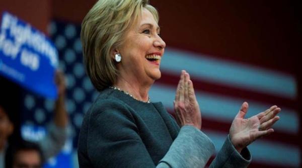 Hillary Clinton supera a Donald Trump en últimos sondeos