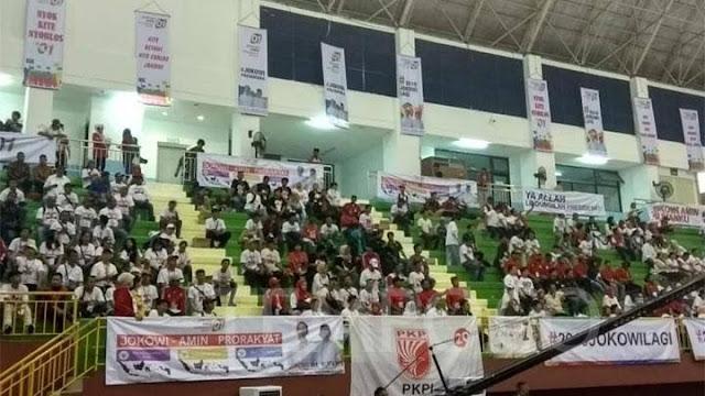 Kampanye Jokowi di Ciracas Sepi, Panitia Teriak-teriak Minta Massa Isi Tempat yang Kosong