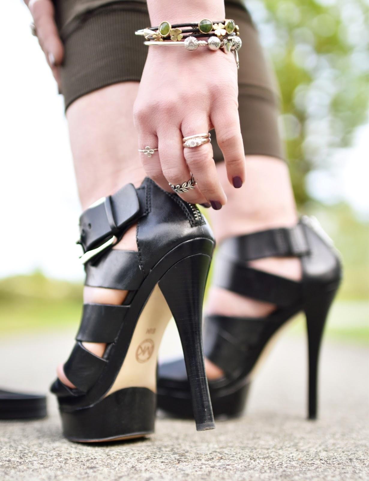 Monika Faulkner outfit inspiration - Michael Michael Kors platform sandals