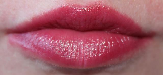 Lipgloss op lippen