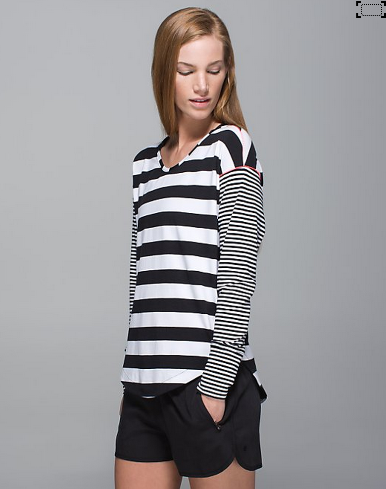 http://www.anrdoezrs.net/links/7680158/type/dlg/http://shop.lululemon.com/products/clothes-accessories/tops-long-sleeve/Weekend-Long-Sleeve?cc=0023&skuId=3602086&catId=tops-long-sleeve