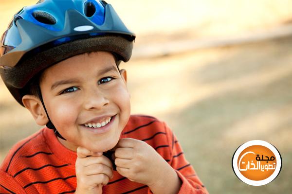 لا تحطم شخصية ابنك bike-helmet-child.jp